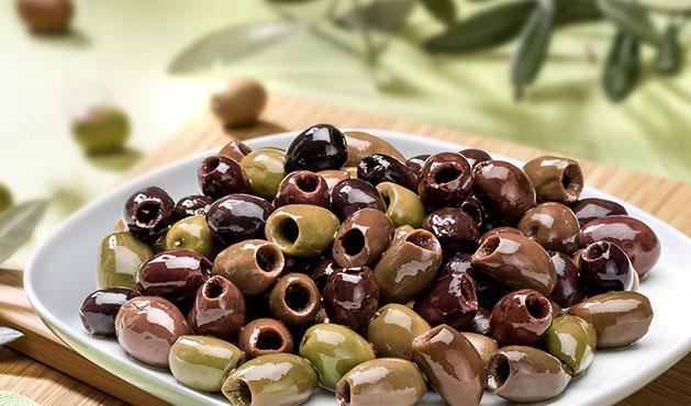 Olive Riviera denocciolate bagnate in olio